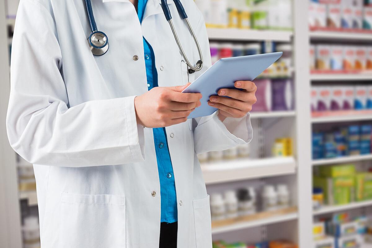 Sueldo de un Auxiliar de Farmacia: ¿cuánto pueden llegar a cobrar?