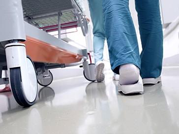 Resultado de imagen para celador en instituciones sanitarias